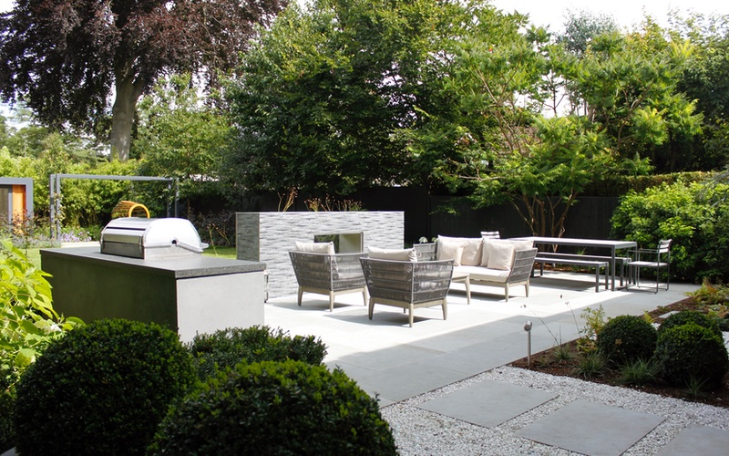 Award winning Garden Design in Richmond, Surrey by Landscaping Solutions.