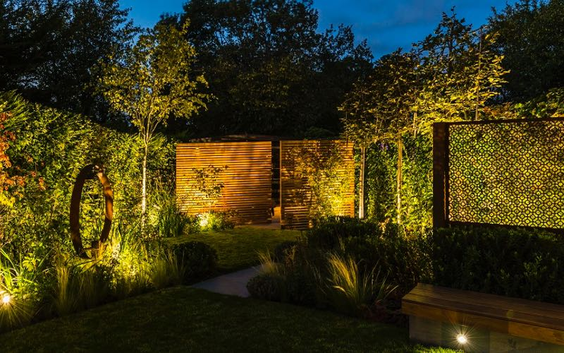 Intimate garden lighting