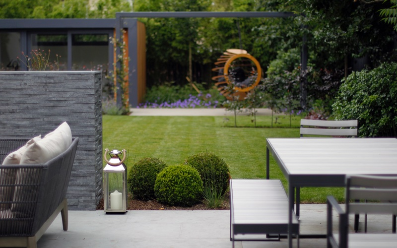 Luxury Garden in Richmond, Surrey, built by Landscaping Solutions.